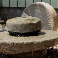 mill-stone-fountain
